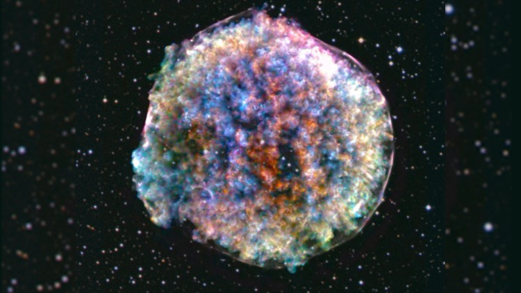 NASA Captures Lumpy, Technicolor Death of a Star