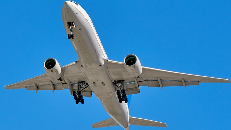 FAA fines 34 more unruly airline passengers $531,000