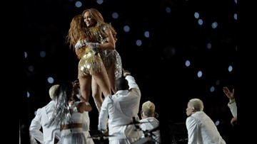 Did J. Lo and Shakira pay tribute to Kobe Bryant during the Super Bowl halftime show?