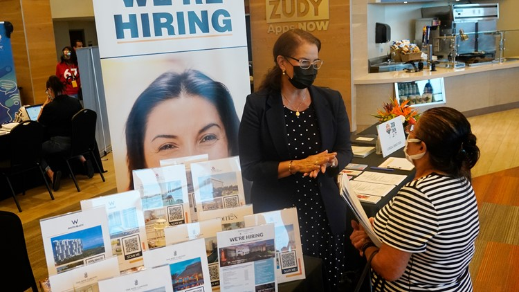 Unemployment claims fall to lowest level of pandemic