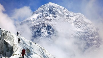 More deaths reported on traffic-jammed Mt. Everest