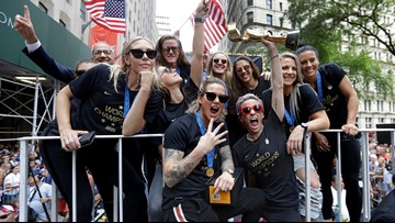 Fans celebrate Women's World Cup champs at ticker-tape parade