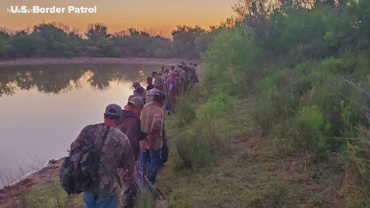 Texas begins jailing border crossers on trespassing charges