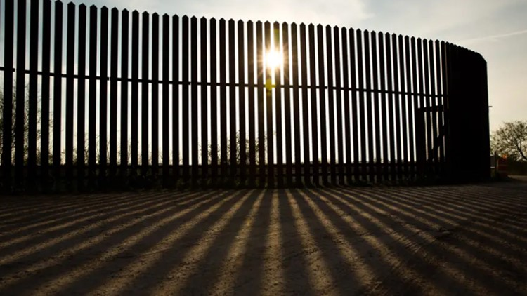 Gov. Greg Abbott promised 'transparency and accountability' for border wall donations   But donors don't have to use real names