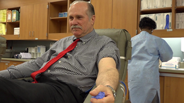 Central Texas man donates blood for 100th time
