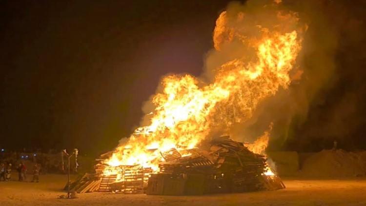 Monahans High School rekindling its bonfire tradition