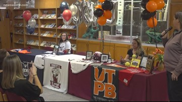Two Lee softball players commit to college