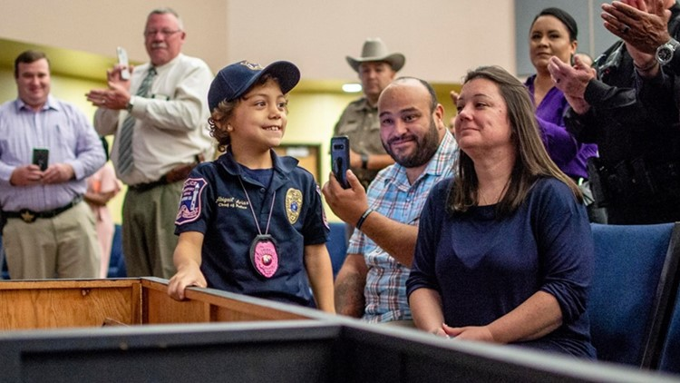 6 year old diagnosed with terminal cancer sworn in as Midland officer