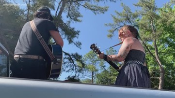 Couple performs singing 'Truck-o-Grams' after their tour was canceled