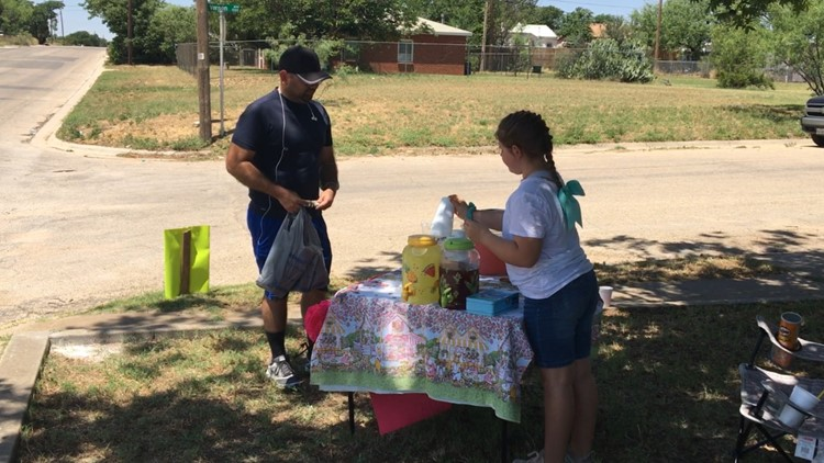 Big Spring girl raises funds for non-profit food pantry through lemonade stand