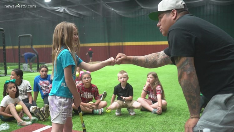 Former Olympian coaches WTX youth in softball
