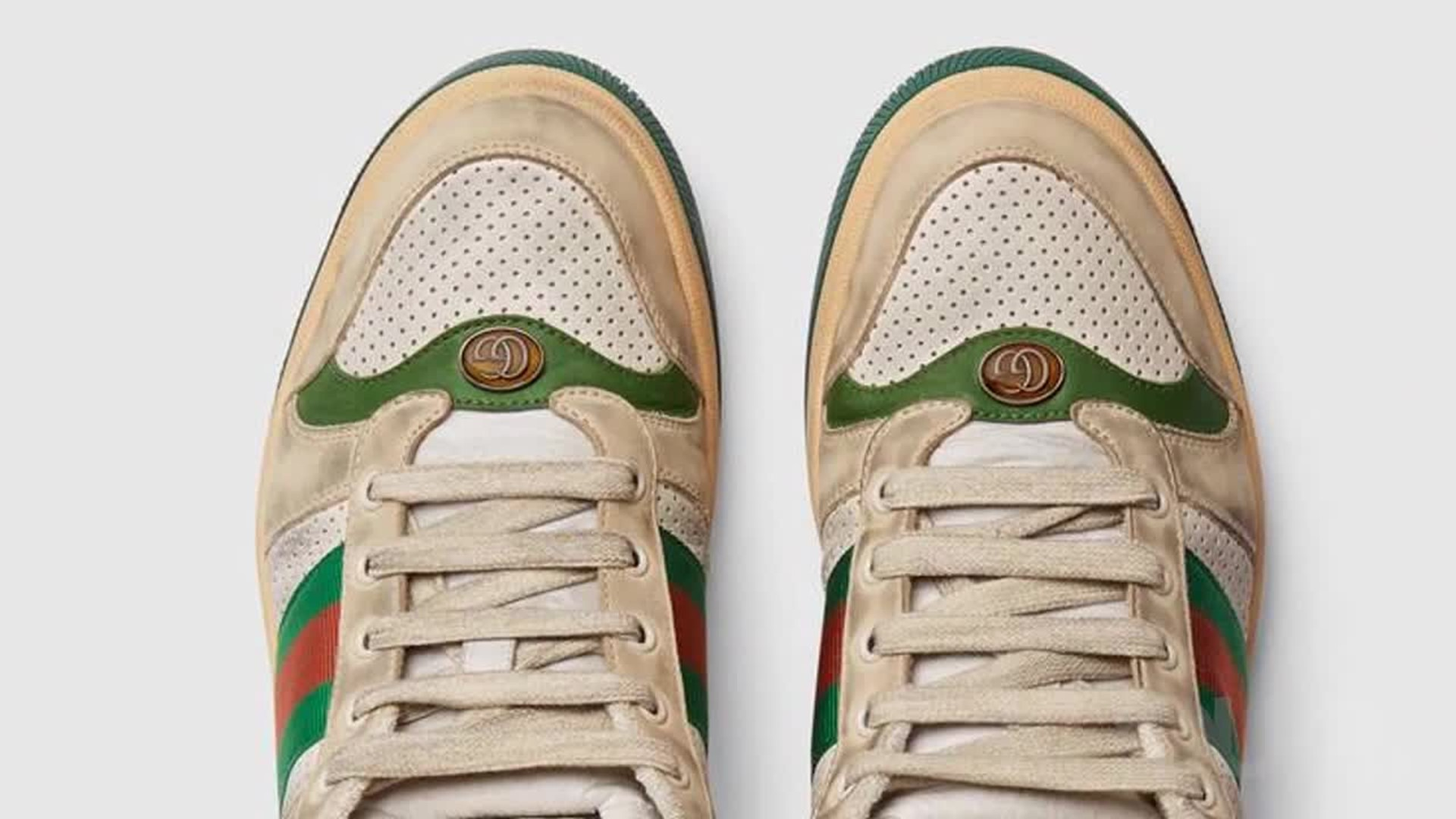 selling dirty sneakers with scuff marks