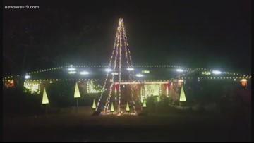 Quadriplegic man creates dazzling Christmas light display for 11th year