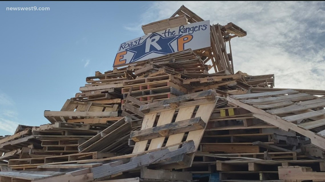 Monahans High School holds first homecoming bonfire in 17 years