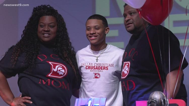 Midland Christian has 2 athletes sign to the next level