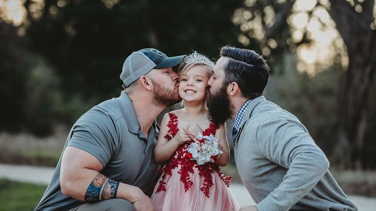 Photo of Texas stepdad, biological father and their daughter goes viral
