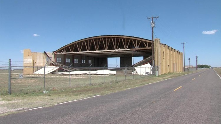 Hangar Damaged During Storm to Be Torn Down