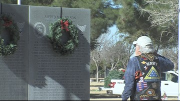 Patriot Guard Riders, volunteers honor late veterans for Christmas