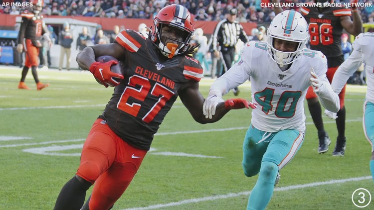 Watch: Kareem Hunt scores first touchdown as member of Cleveland Browns