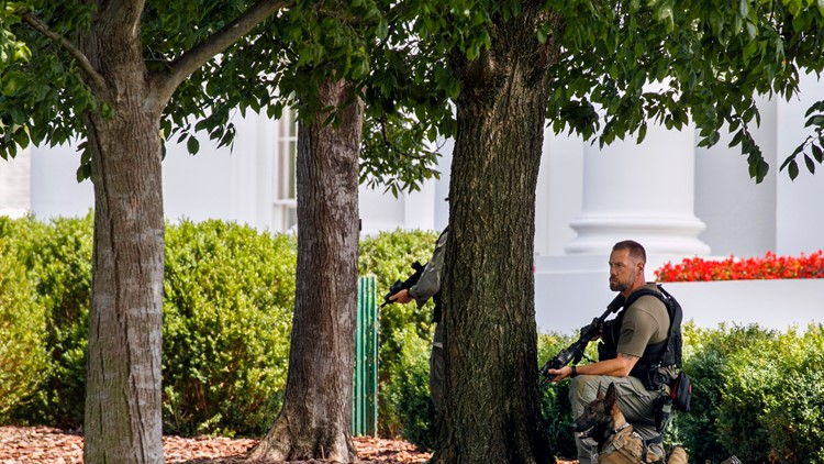 Secret Service arrest person who tried to jump fence near White House